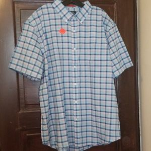 Men's short sleeves button down shirt